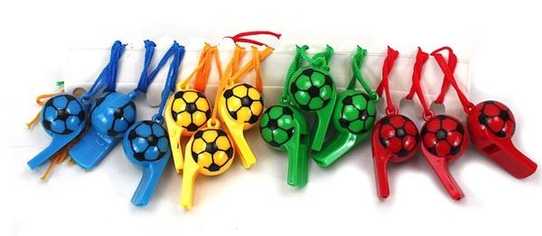 Fußballpfeife am Band  4-fach sortiert - ca 6cm