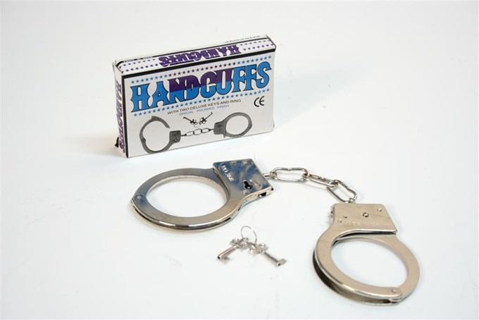 Handschellen aus Metall