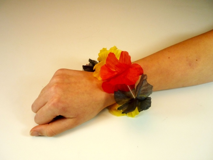Deutschland Hawaii Armband mit 6 Blüten ca 25cm Umfang