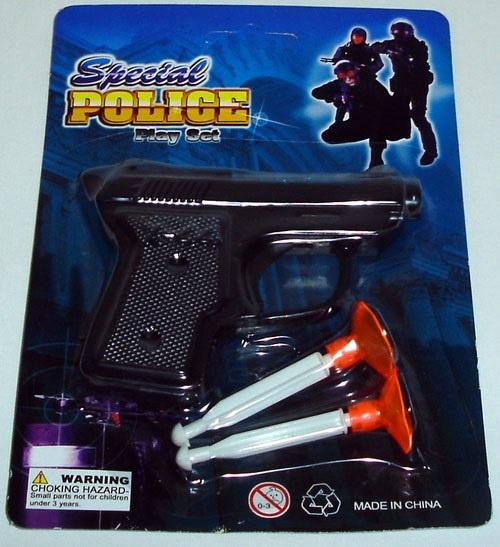 Pistole mit 2 Pfeilen auf Karte