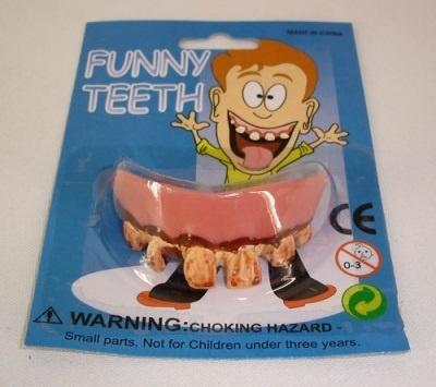 Gebisse- schlechte Zähne sortiert
