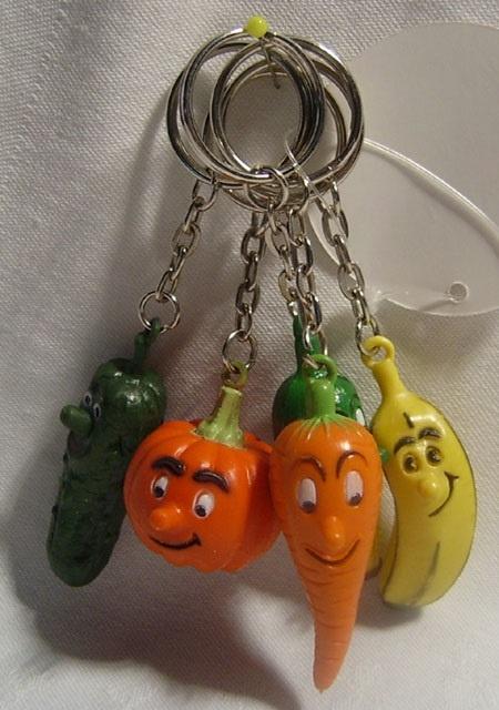 Früchte sortiert an Schlüsselanhänger - ca 3-6cm
