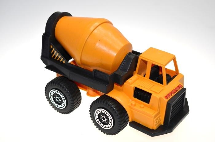 Baufahrzeug 3-fach sortiert im Netz ca 23 x 10 cm