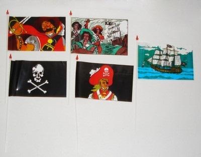 Piraten- und Cowboyfähnchen Motive mehrfach sortiert