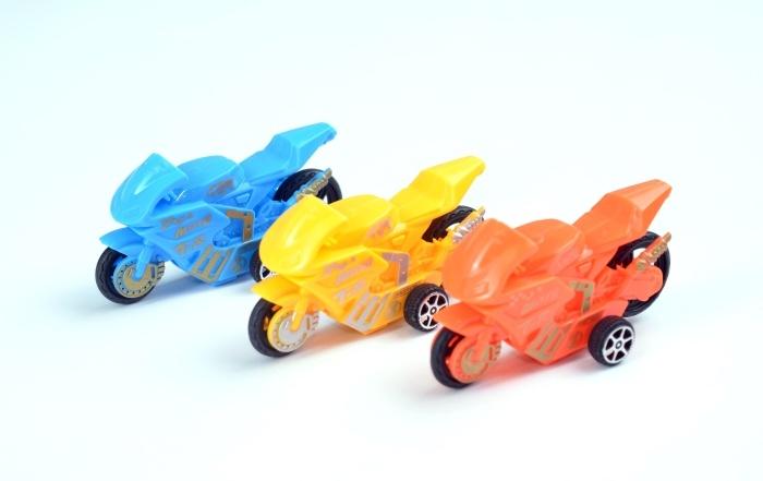 Motorrad mit Rückzug, 3 farbig sortiert im Beutel ca 8,5 cm