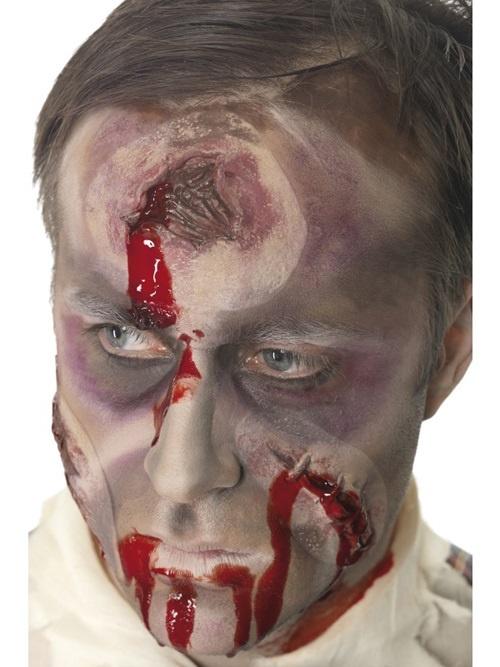 Schußwunde mit Blut auf Karte ca 19x10cm
