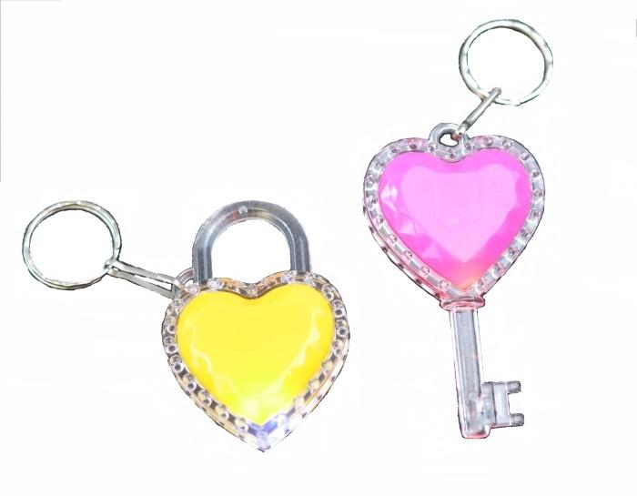 Herztasche und Schlüssel sortiert LED - an Schlüsselanhänger